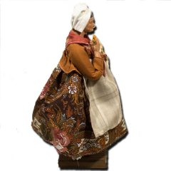 Santon from Provence – Woman with Garlic and Terracotta Shawl